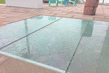 Outdoor Glass flooring is slip-safe