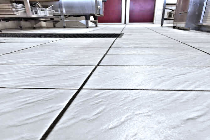 Company kitchen: Tiles with anti-slip treatment