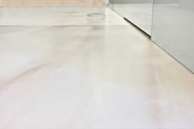 Marble tiles: retrofit anti-slip with GriP